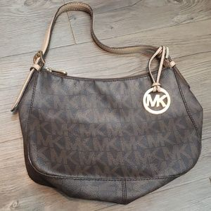 Michael Kors Signature Classic Purse